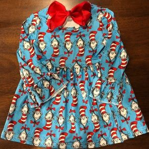 Other - Adorable Dr. Seuss girls dress and bow